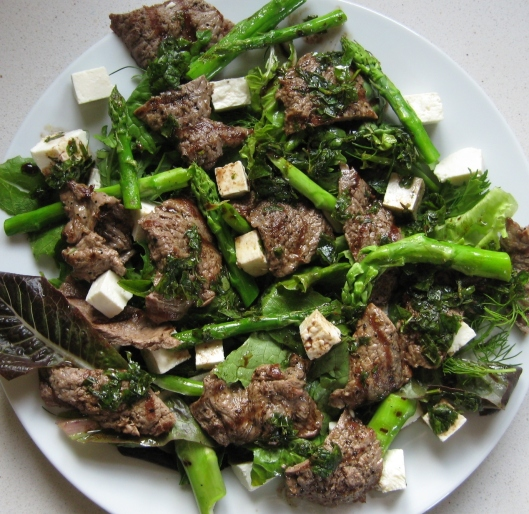 grilled_beef_salad_mint_dressing